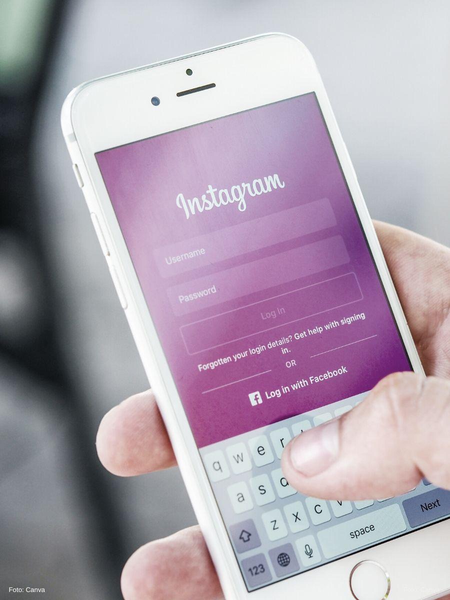 Nahaufnahme eines Handys mit Blick auf die geöffnete Instagram-App